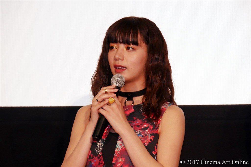 映画「ReLIFE リライフ」公開初日舞台挨拶 池田エライザ