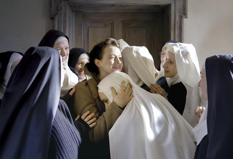 映画『夜明けの祈り』(原題: Les Innocentes)