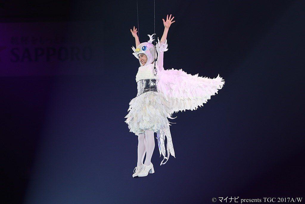 マイナビ presents TGC 2017A/W エイブル presents トリガール!SPECIAL STAGE 鳥ガール!土屋太鳳 飛翔!!