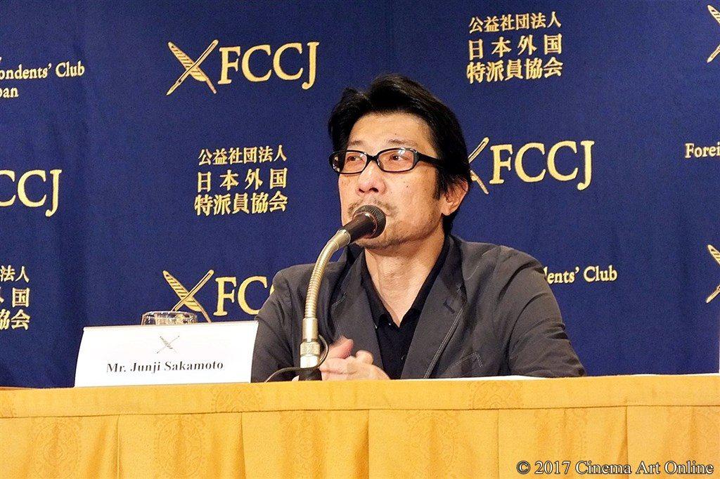 【写真】映画『エルネスト』(ERNESTO)外国特派員協会記者会見 阪本順治監督