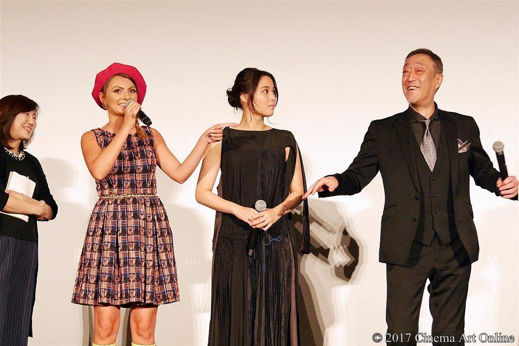【写真】 第30回 東京国際映画祭(TIFF) 特別招待作品『巫女っちゃけん。』舞台挨拶 アレクサンドラ・スタン、広瀬アリス、グ・スーヨン監督