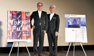 【写真】第30回 東京国際映画祭(TIFF) 『Ryuichi Sakamoto: CODA』舞台挨拶 スティーブン・ノムラ・シブル監督 & 坂本龍一フォトセッション