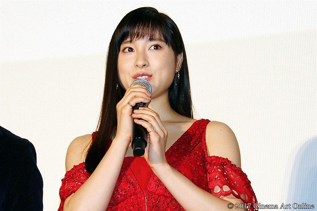 【写真】映画『8年越しの花嫁 奇跡の実話』公開初日舞台挨拶 土屋太鳳
