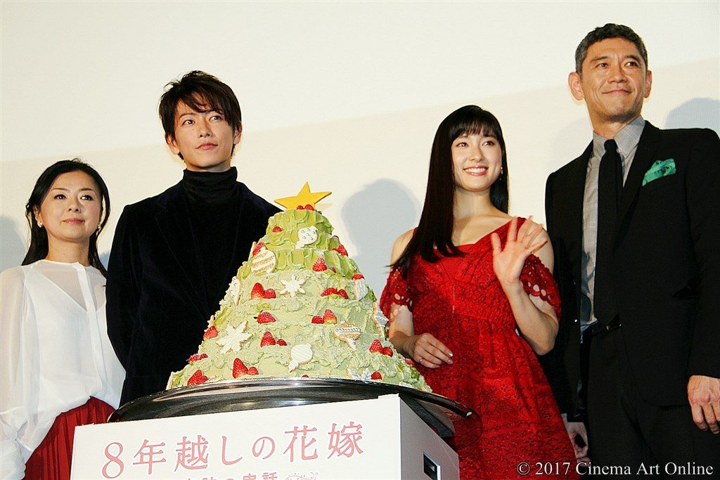 映画『8年越しの花嫁 奇跡の実話』公開初日舞台挨拶