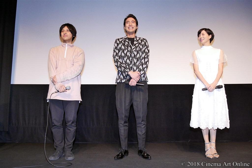 【写真】堀江貴大監督、小柳友さん、服部彩加さん