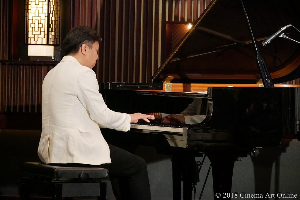 【写真】映画『Vision』完成報告会見 小曽根真によるテーマ曲ピアノ伴奏
