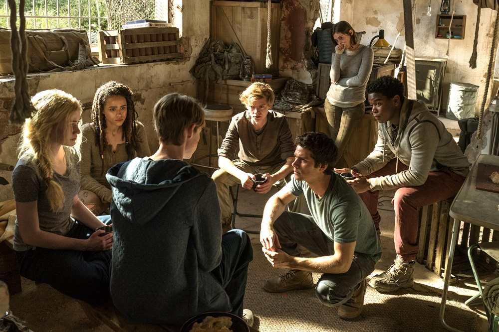 "【画像】映画『メイズ・ランナー:最期の迷宮』 (原題: MAZE RUNNER: THE DEATH CURE) 場面カット(L-r, Katherine McNamara, Nathalie Emmanuel, Jacob Lofland, Thomas Brodie-Sangster, Dylan O'Brien, Rosa Salazar, and Dexter Darden star in Twentieth Century Fox's ""Maze Runner: The Death Cure."")"