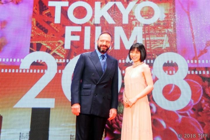 【写真】第31回 東京国際映画祭(TIFF)を振り返る (レッドカーペット レイフ・ファインズ&松岡茉優)