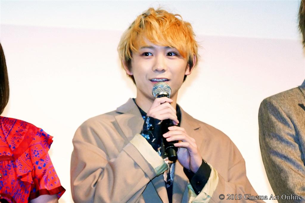 【写真】映画『凜—りん—』プレミア試写会舞台挨拶 (須賀健太)