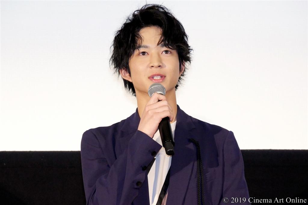 【写真】映画『4月の君、スピカ。』公開初日舞台挨拶 (鈴木仁)