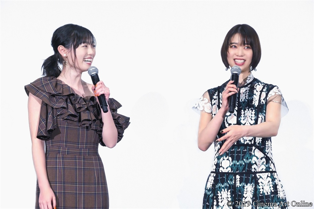 【写真】『映画賭ケグルイ』公開初日舞台挨拶 (福原遥、森川葵)