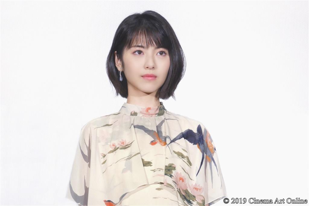 【写真】『映画賭ケグルイ』公開初日舞台挨拶 (浜辺美波)