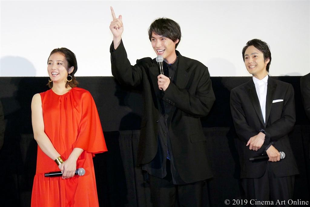 【写真】映画『ザ・ファブル』完成披露試写会舞台挨拶 (木村文乃、福士蒼汰、木村了)