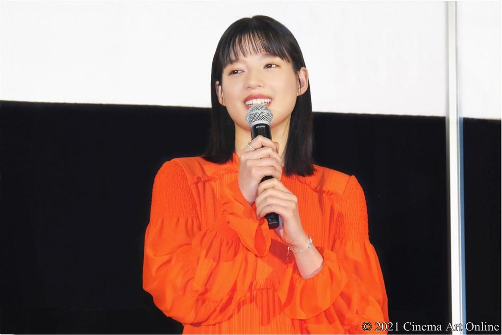 【写真】映画『砕け散るところを見せてあげる』公開記念舞台挨拶 (石井杏奈)
