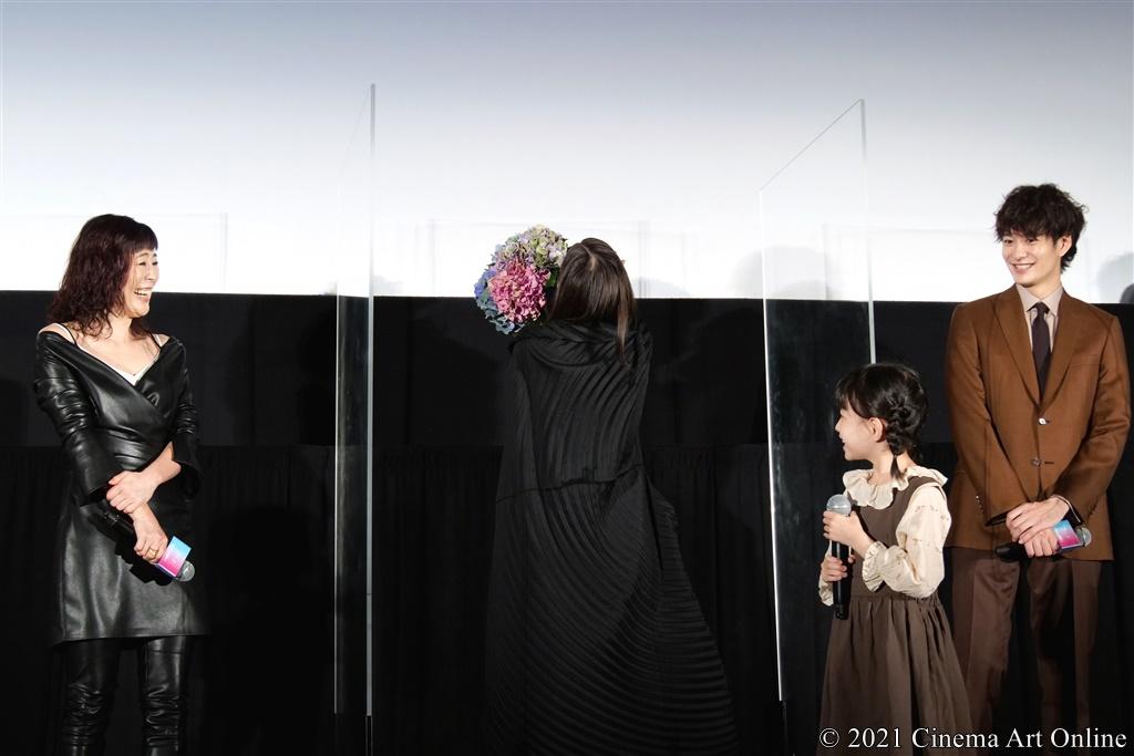 【写真】映画『Arc アーク』公開初日舞台挨拶 (芳根京子、寺島しのぶ、岡田将生、鈴木咲)