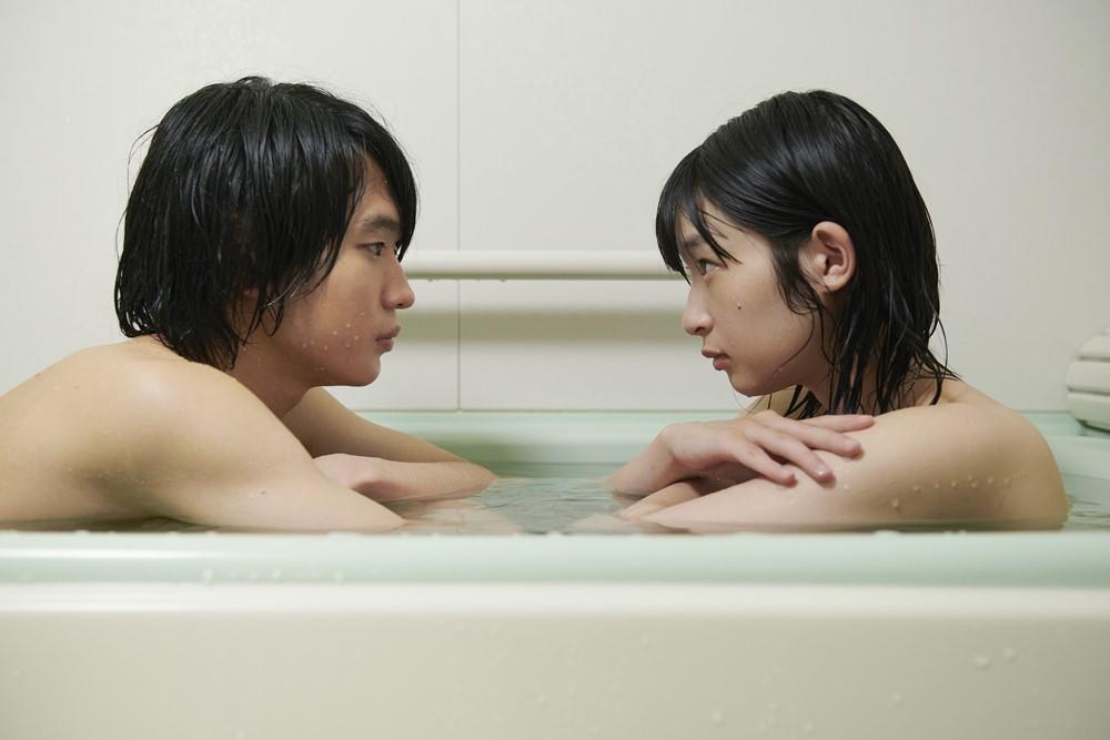 【画像】映画『うみべの女の子』場面カット2