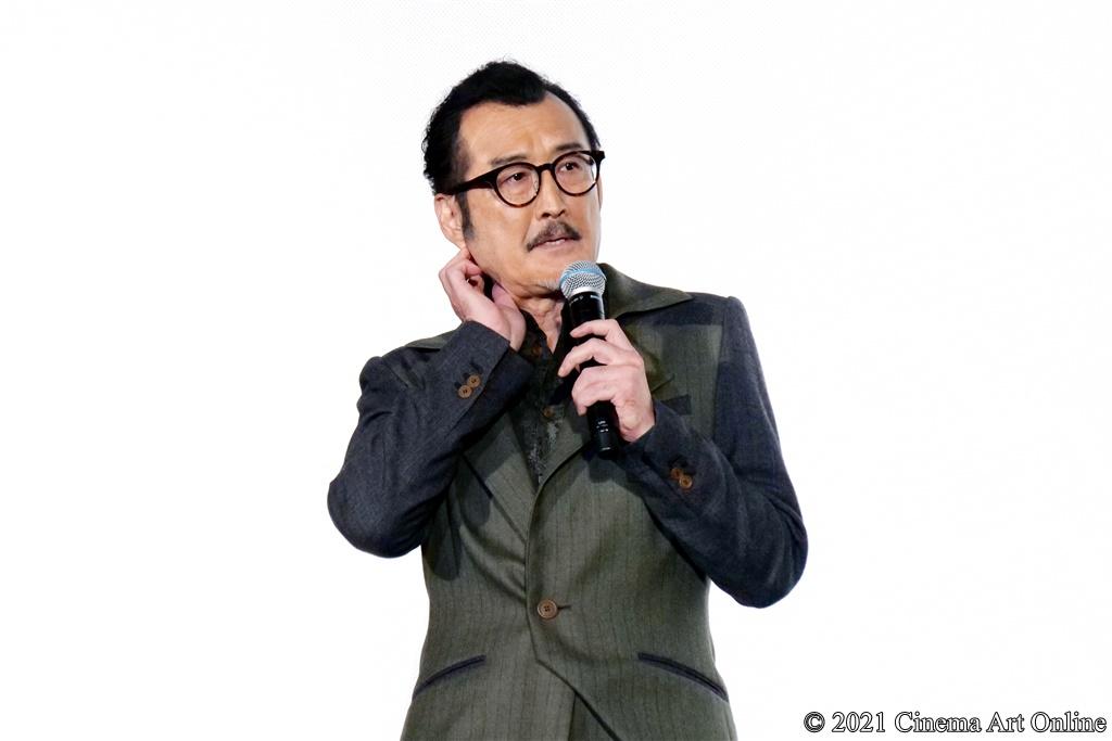 【写真】映画『CUBE 一度入ったら、最後』完成披露試写会 舞台挨拶 (吉田鋼太郎)